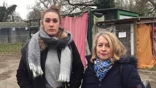 Chloé Gonne et Patricia Urbajtel expliquent l'opération croquettes