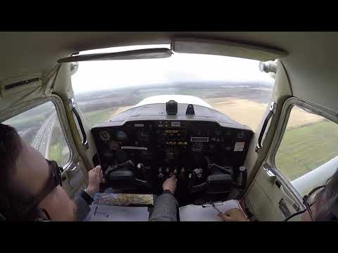 Flying Cessna 150 G-AVER