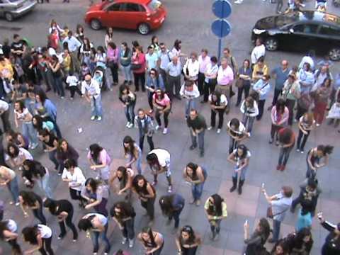 Baile Bollywood IES Puerta de Cuartos en la Trinidad