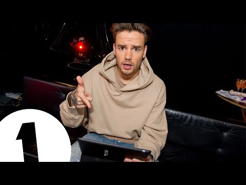 Liam Payne reads filthy messages | CONTAINS ADULT THEMES