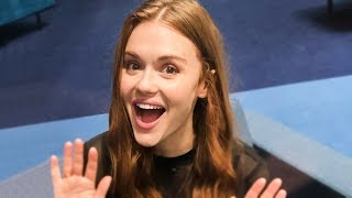 Holland Roden (Lydia from Teen Wolf) performs magic!