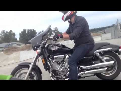 Tweaker rides motorcycle in Sequim Washington skatepark par