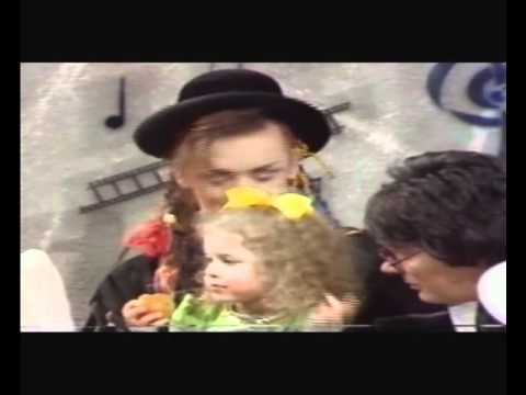 Culture Club on Saturday Superstore 1983 pt2 with 3 yr old Natalie Casey