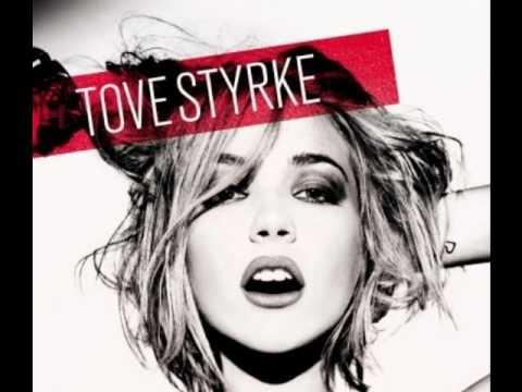 Клип Tove Styrke - Walking My Daydream