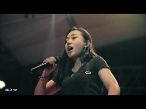 KILMS Ft. AIU - Kau Dan Aku Berbeda x Hilang (Garasi) (Live at LocoFest 2017)