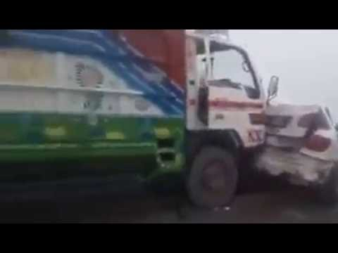 Accident on Motorway Pakistan Near Lahore