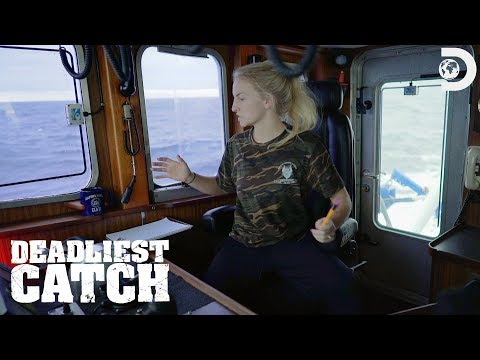 Freak Accident With Mandy At The Helm | Deadliest Catch