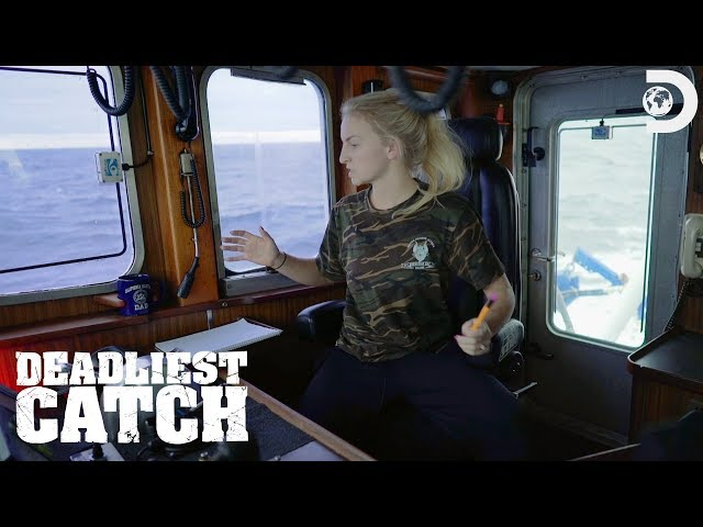 Freak Accident With Mandy at the Helm   Deadliest Catch