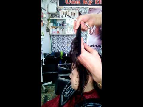 Sỹ hót cắt tóc làm xoăn