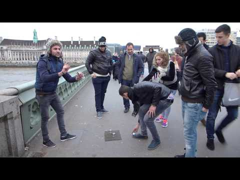 Gambling in front of House of Parliament in London