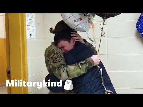 Teen tackles Airman mom when she surprises him   Militarykind