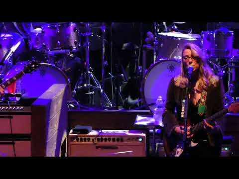 "Tedeschi Trucks Band  2017-10-13 Beacon Theatre NYC  ""Darling Be Home Soon"""