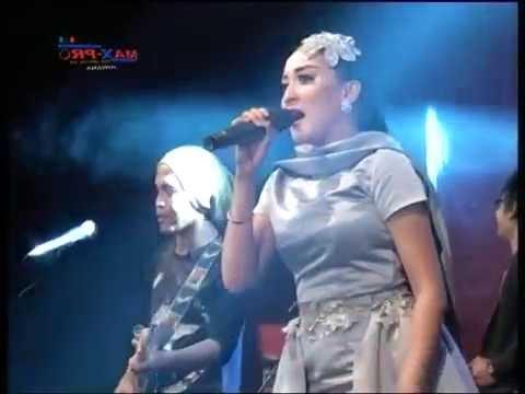 Monata Tegalwero 2016 Elsa Safira -  Bintang pentas