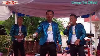 Lihat ekspresi anak ini menyanyikan lagu Holong na ias bersama Omega_Trio