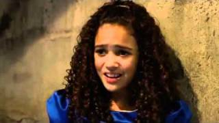 "Video Madison Pettis singing in ""The Search for Santa Paws"". download MP3, 3GP, MP4, WEBM, AVI, FLV Maret 2018"