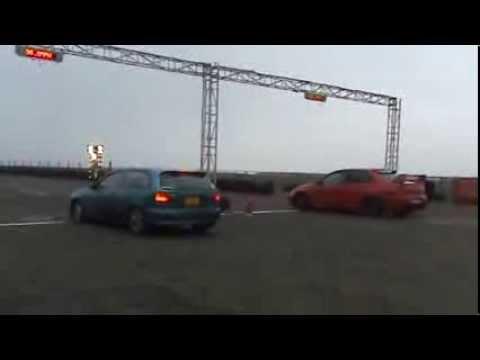 Almera GTi Vs Evo - Видео из ютуба