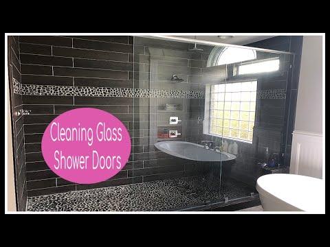 SHOWER GLASS DOOR CLEANER | CLEANING MOTIVATION