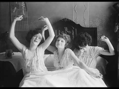 Brox Sisters - Lazy 1924 Irving Berlin Songs (Music Box Revue)