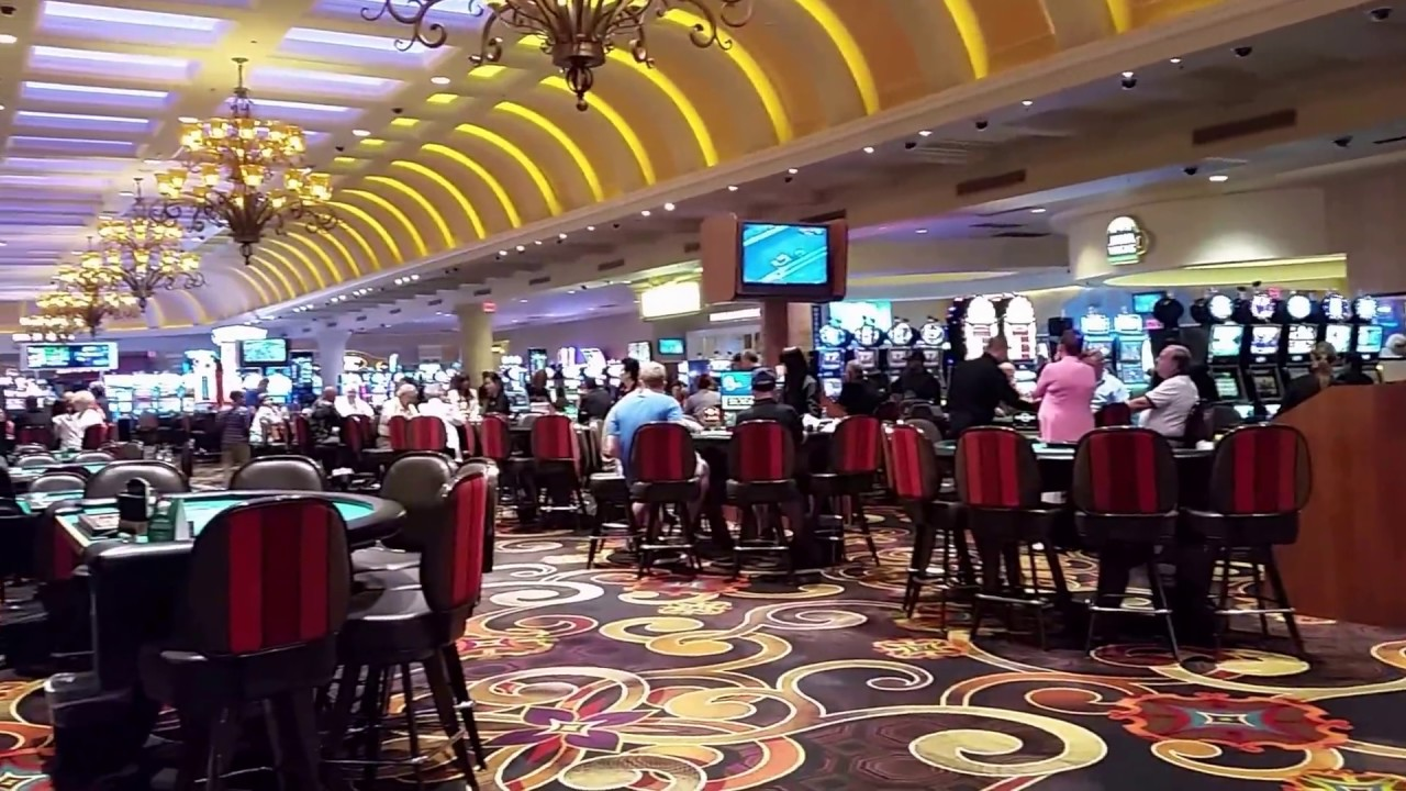 Suncoast Hotel & Casino Las Vegas - YouTube