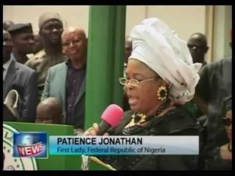 President Goodluck Jonathan pays Tribute to late Ikemba Odumegwu Ojukwu