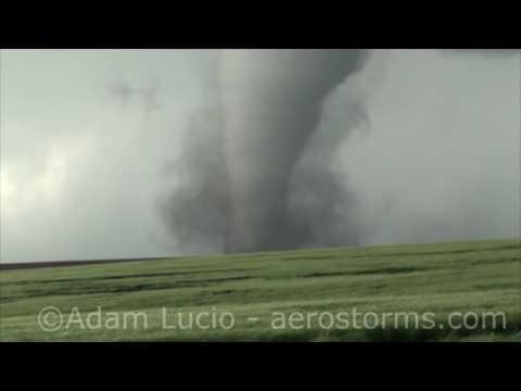 Strong Tornado Dodge City Kansas 5-24-16