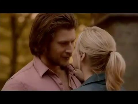 Elena and Clayton Kiss Bitten S1  Laura Vandervoort, Greyston Holt