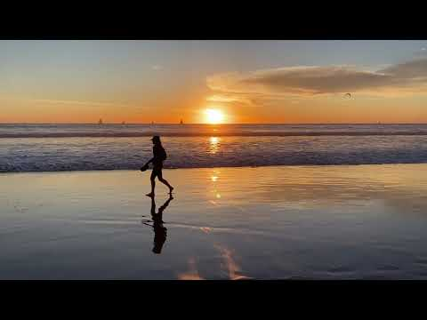 Electronic Chill Out Music at Sunset in Venice Beach, California