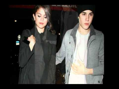 Justin & Selena holding hands in Manhattan [13 02 2012 ,Pictures]