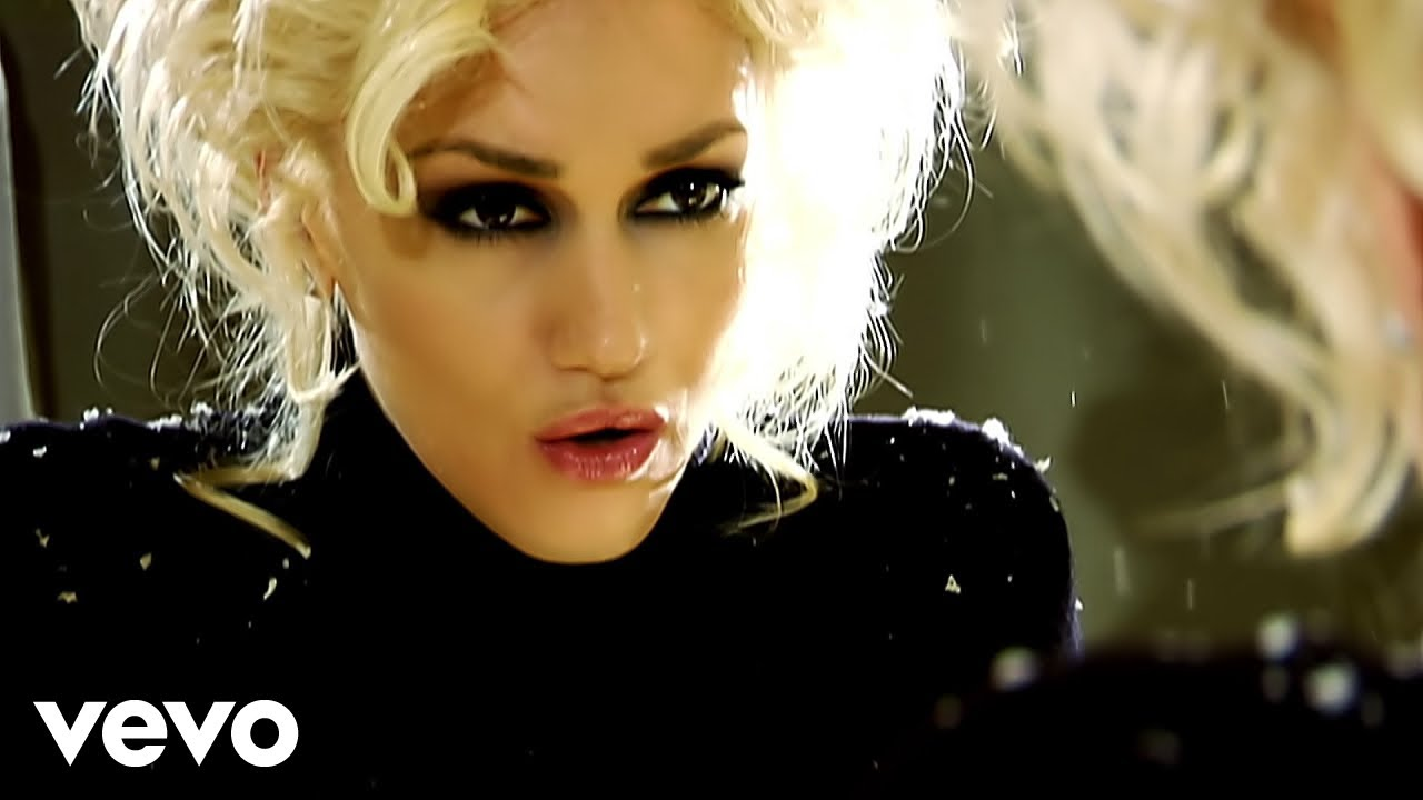 gwen-stefani-early-winter-gwenstefanivevo