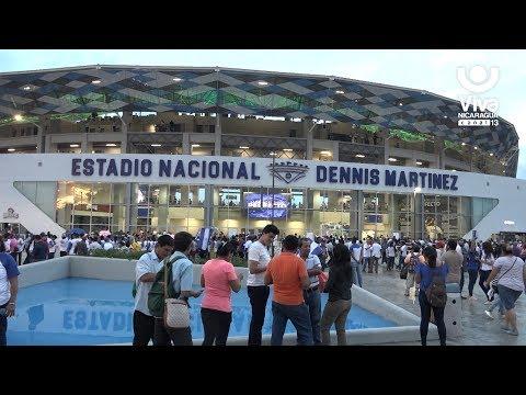 Personalidades  nicaragüenses asistieron al primer juego en el nuevo Estadio Dennis Martínez