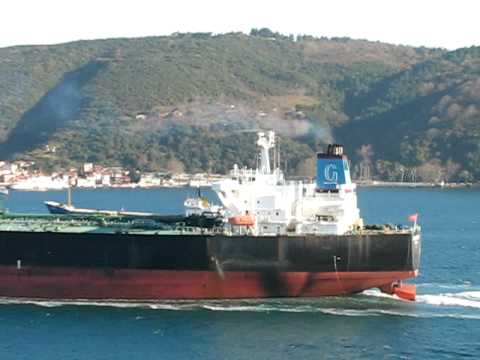 Suezmax tanker Ottoman Dignity passing Strait Of Istanbul