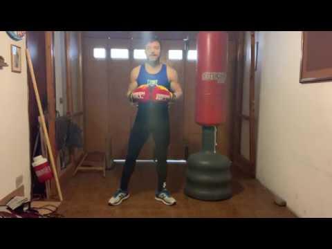 Come allenarsi a casa con il sacco da boxe   IlFitness