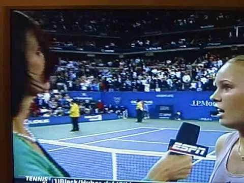 ESPN's Pam Shriver irks the crowd with controversial gesture