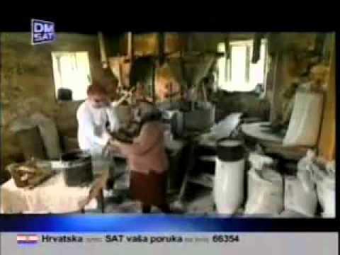 DJ Krmak  Cijelo Selo smrce bijelo