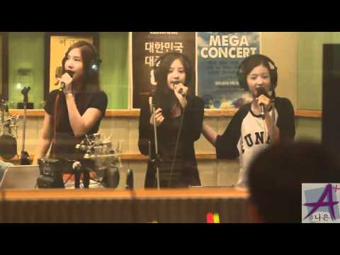 [FANCAM] 110712 A Pink (Yookyung,Naeun,Bomi) - I'm Your Girl @ Kiss The Radio