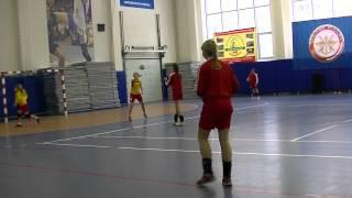 Разминка команды девушек 2002 года рождения по гандболу СДЮШОР Приморского района Санкт-Петербурга