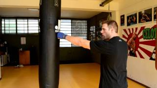 Come colpire sacco da Boxe - Tecniche di base. How to hit the heavy punching bag