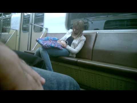 Дрочил в метро видео ну