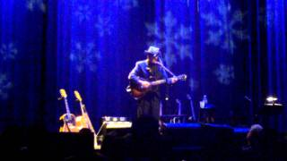 Elvis Costello - Bullets for the New-Born King (Chicago 12-20-10)