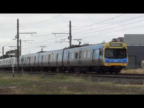 Trackside at Hoppers Crossing - Metro Trains Melbourne