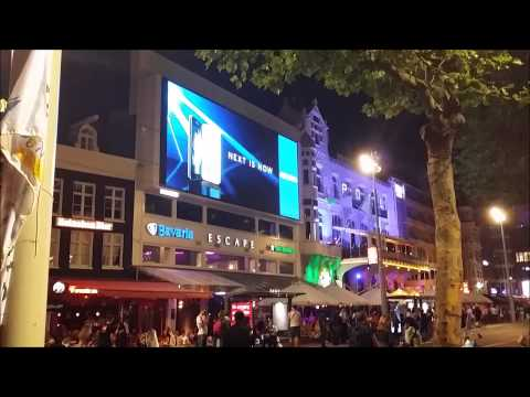 Huge LED outdoor screen in Amsterdam center,  Nederland's