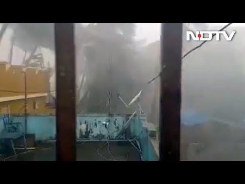 Cyclone Fani: Odisha में Puri तट से टकराने के बाद West Bengal की तरफ बढ़ा तूफान फानी