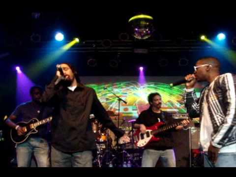 Nas & Damian Marley Performs