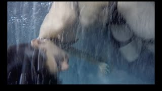 Смотреть клип Arca - Vanity