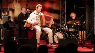 MARC BERTHOUMIEUX – A THOUSAND YEARS (Sting) – LIVE