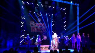 Stevie Nicks joins the SCHOOL OF ROCK band for a surprise curtain call performance of Rhiannon.