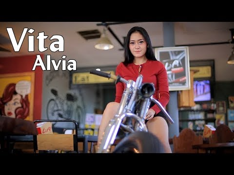 Vita Alvia ~ AKU KANGEN BOJOMU _ House Music  |   Official Video