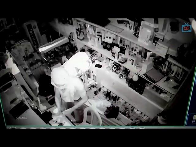 Bandido arromba loja no centro de Itambé