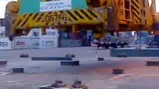 container crane lid lift 1