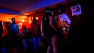 Repeat youtube video NUDISMO ADANNE HALLOWEN 2015 CONCURSO DE BAILE